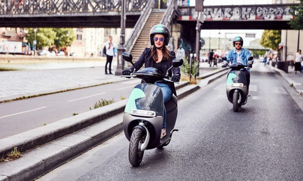 Autoriser les scooters à rouler sur les voies de bus : bonne ou mauvaise idée ?
