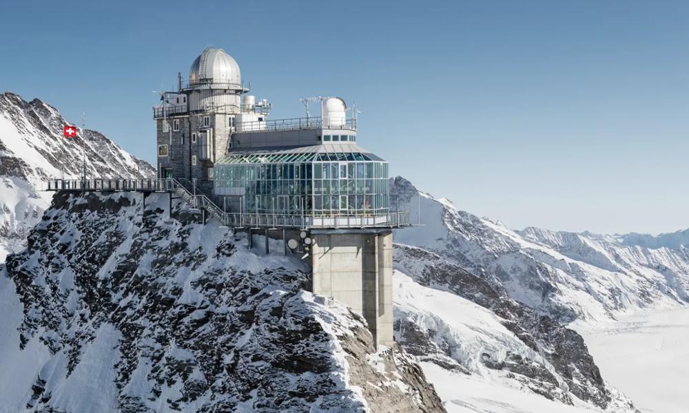 Attention au vertige, voici la plus haute gare ferroviaire d'Europe