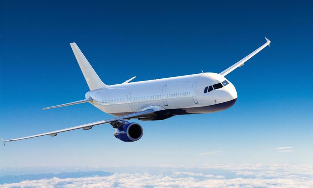 Mais au fait, pourquoi tous les avions sont-ils blancs ?