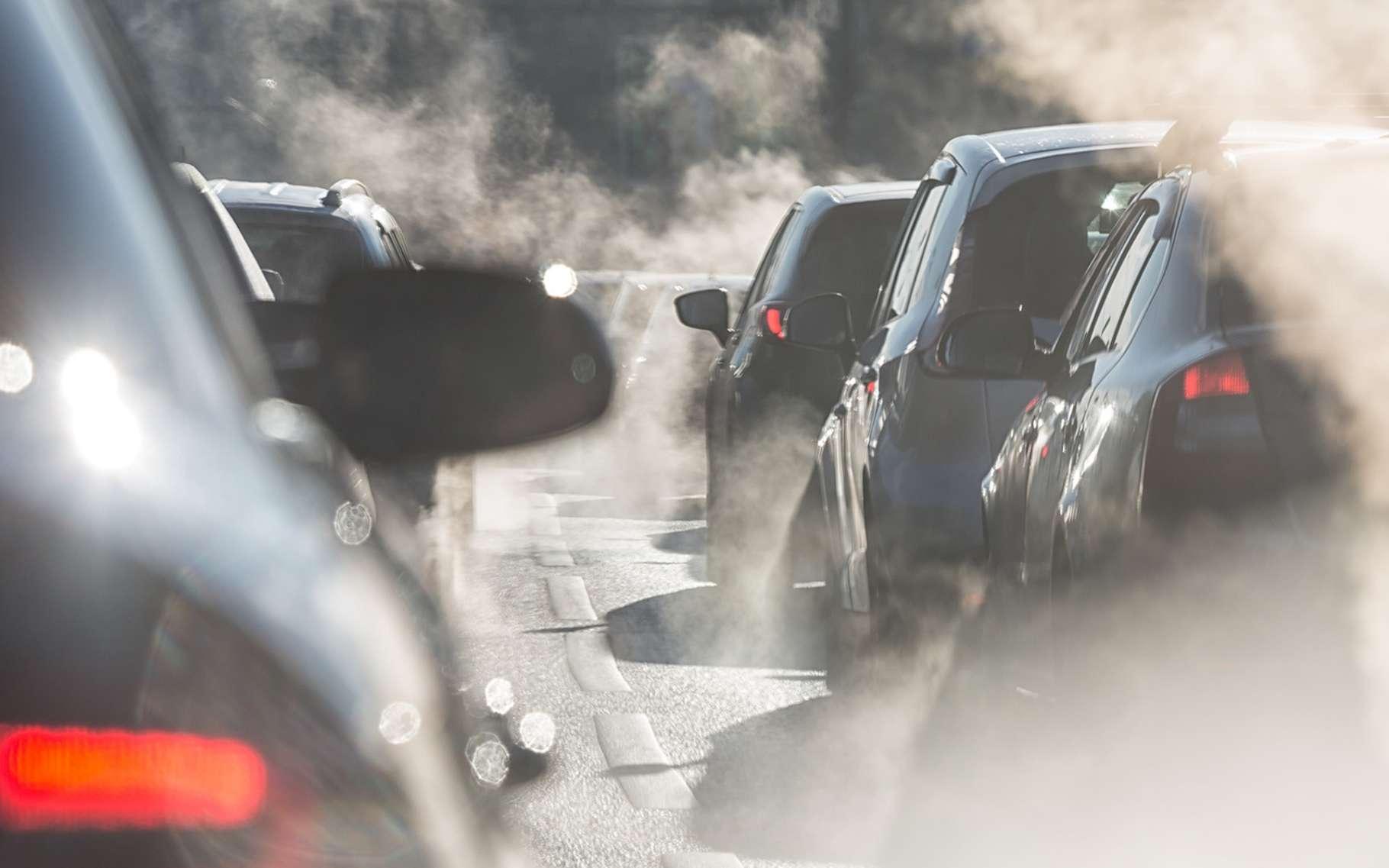 Vrai/faux : la propagation du COVID-19 aurait été accélérée par les voitures polluantes