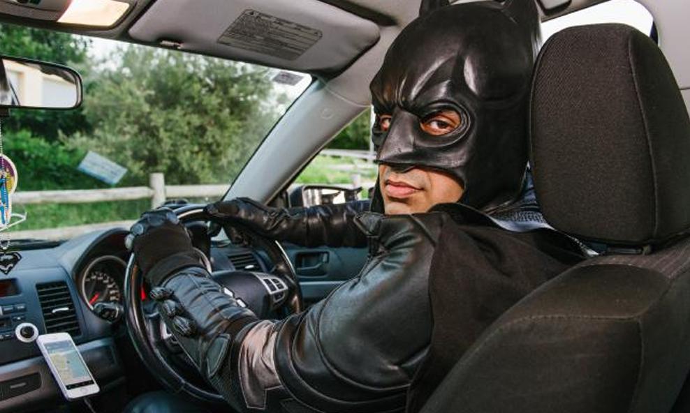 À Toulouse, ce chauffeur-livreur masqué dénonce les pires infractions sur son compte YouTube