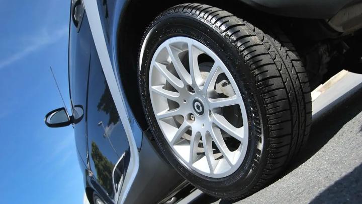 La Belgique veut taxer les pneus, bientôt la même chose en France ?