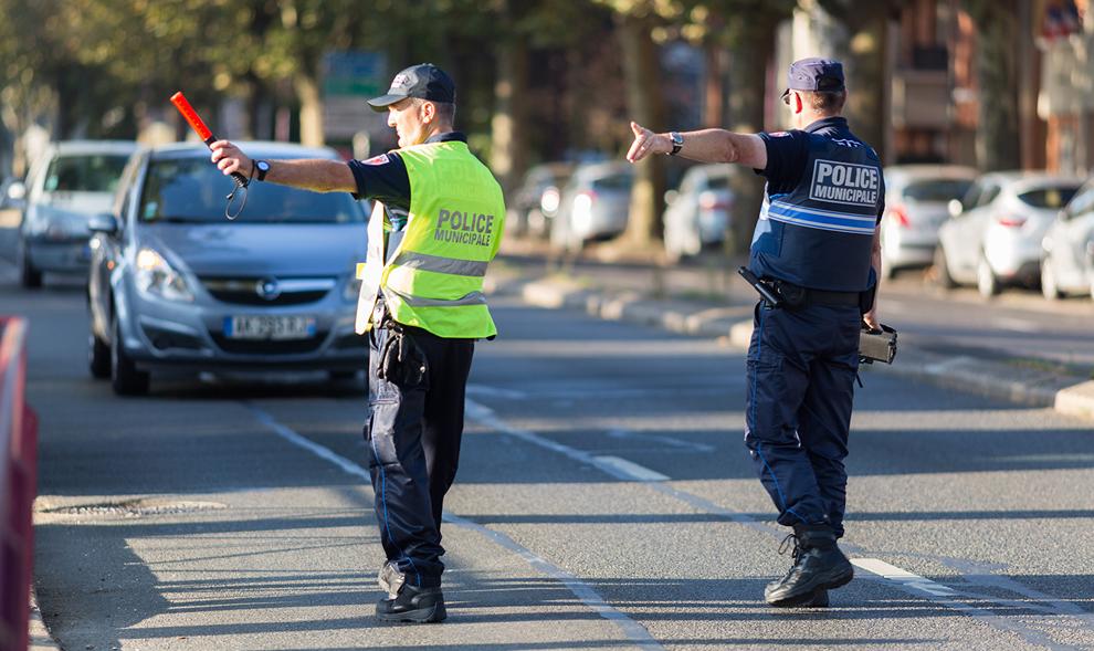"""Utiliser votre voiture pendant le """"lockdown"""" peut vous coûter jusqu'à 375 €"""