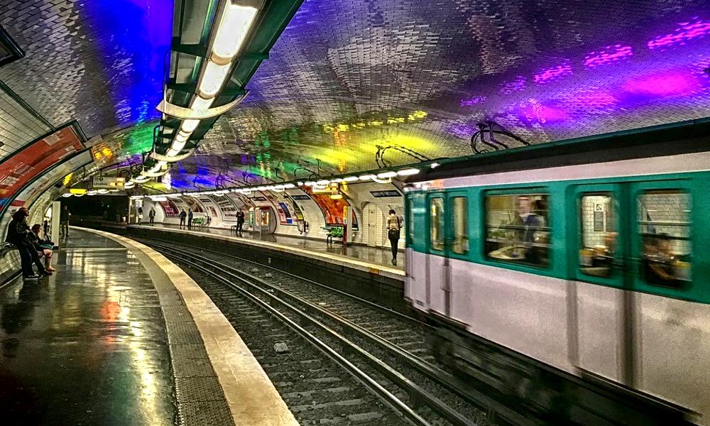 """La RATP lance un """"escape game"""" dans les couloirs du métro parisien"""