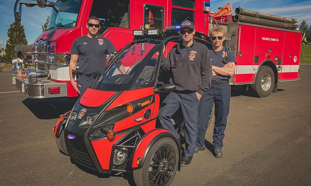 La nouvelle arme des pompiers, c'est cet engin à trois roues qui fonce à 120 km/h