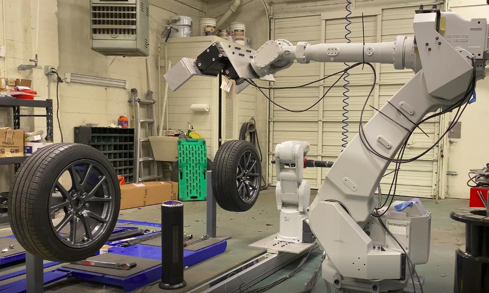 Ce robot-cric change vos pneus en 10 minutes