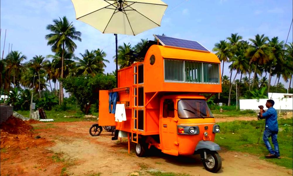 Cet Indien a transformé son tuk-tuk en mini-maison tout confort