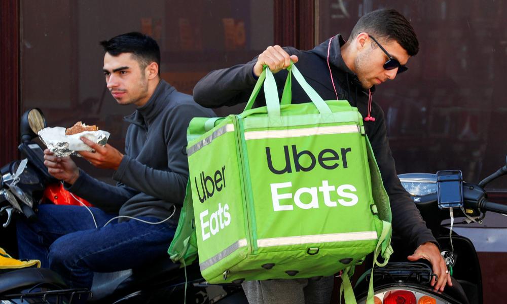 Monde d'après : à Saint-Étienne, des livreurs obligent Uber Eats à les augmenter