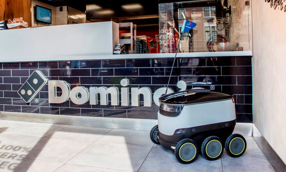Chaque jour, ce robot brave le confinement… pour livrer des pizzas