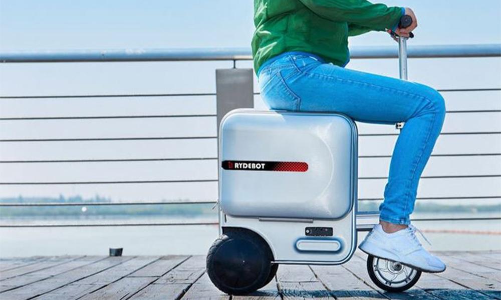 Pour vos prochains voyages, il y a cette valise-scooter