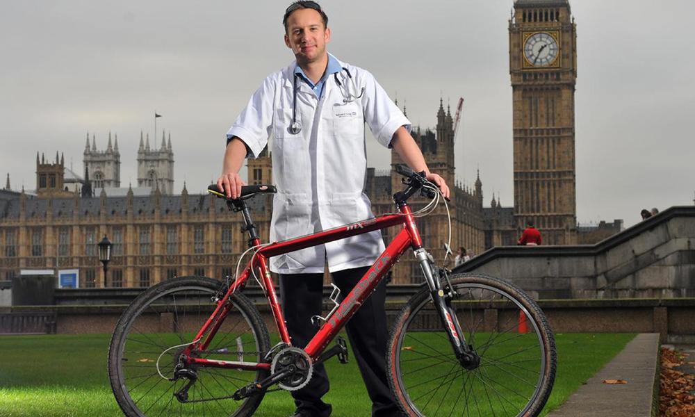 COVID-19 : Londres accélère en offrant des vélos électriques au personnel soignant