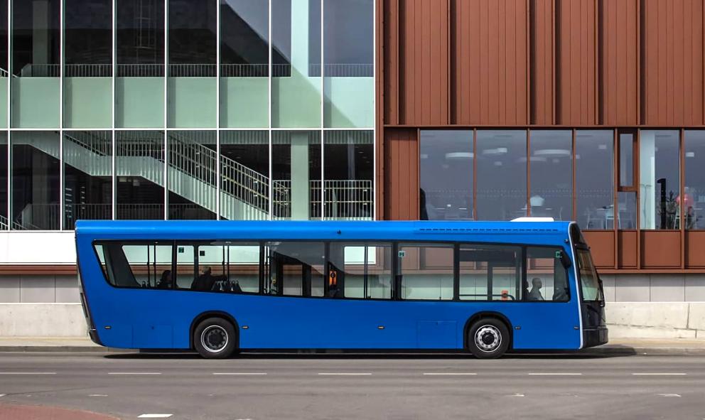 Ce bus électrique en plastique recyclé roule déjà vers le futur