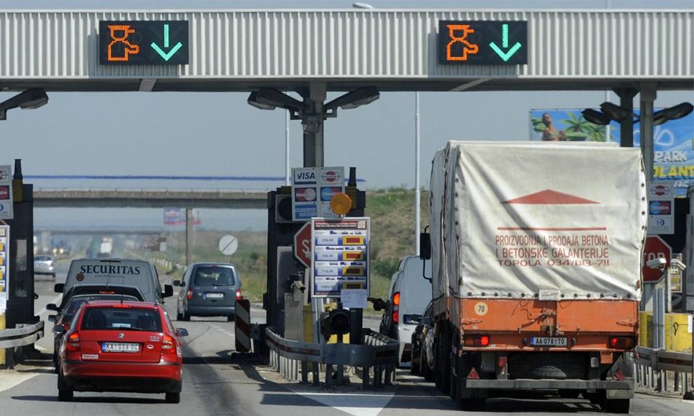 Et si les autoroutes devenaient gratuites cet été ?