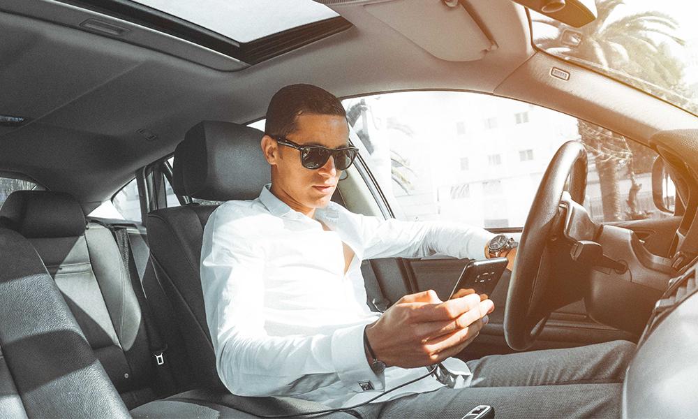 Téléphoner au volant peut maintenant vous coûter 6 mois de permis