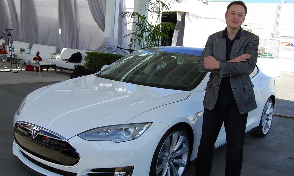 Elon Musk promet une batterie de voiture qui pourra tenir plus d'1 million de km