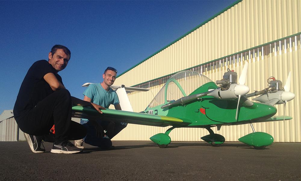 Ces Français ont construit le plus petit avion du monde dans leur garage