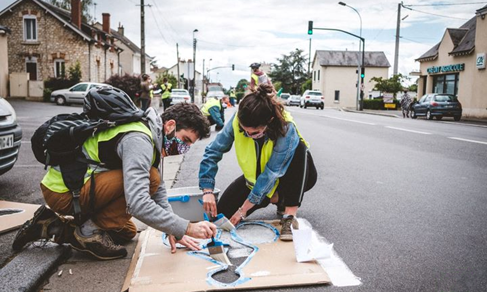 Terrorisme écologique : ils construisent une piste cyclable en seulement 12 minutes