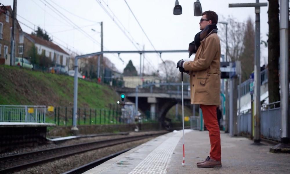 Ezymob : une appli pour guider les malvoyants dans les transports en commun