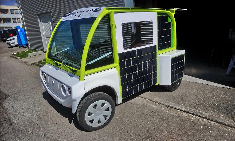 """""""Made in Bretagne"""" : une voiture qui roule à l'énergie solaire et à l'hydrogène"""