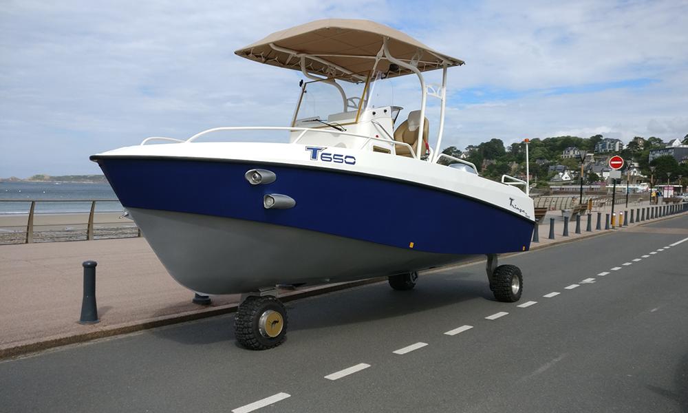 "Ce bateau ""made in Bretagne"" est aussi une voiture"