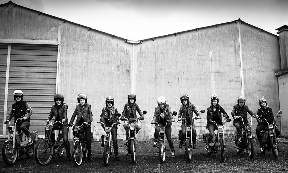 Au Mans, ce gang de bikeuses réhabilite la mobylette