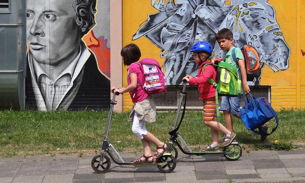 Yvelines : 4 enfants ligotent leur père pour aller faire… de la trottinette