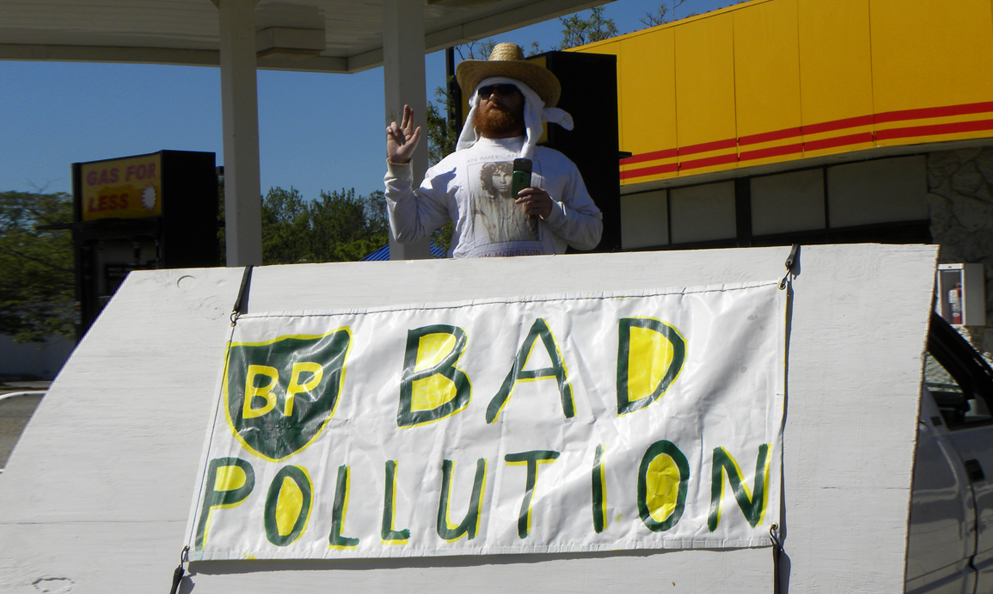 Après Total, le géant BP dit aussi adieu au pétrole