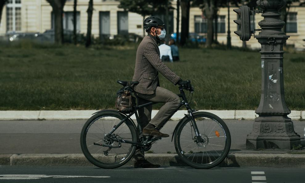 À Paris, le port du masque obligatoire partout (même à vélo et en trottinette)