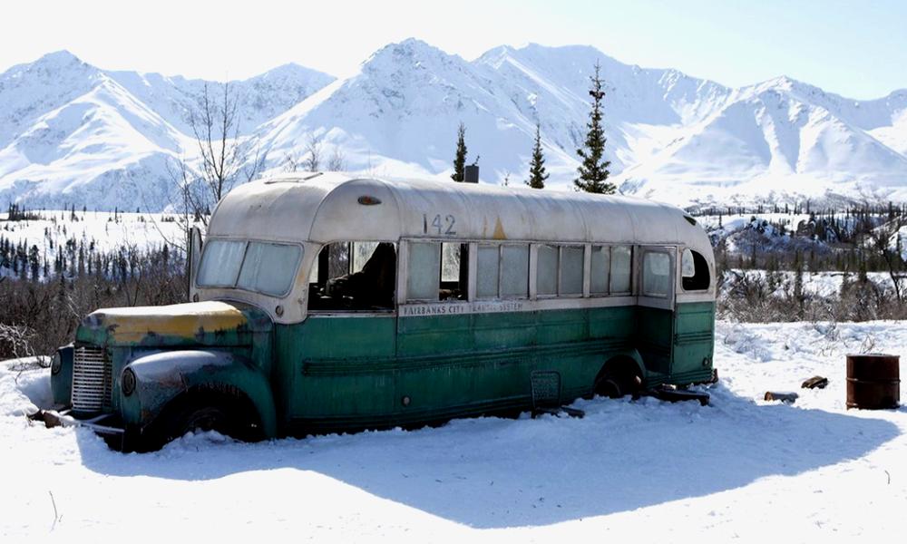Mythique et mortel, le bus d'Into The Wild est rapatrié dans un musée