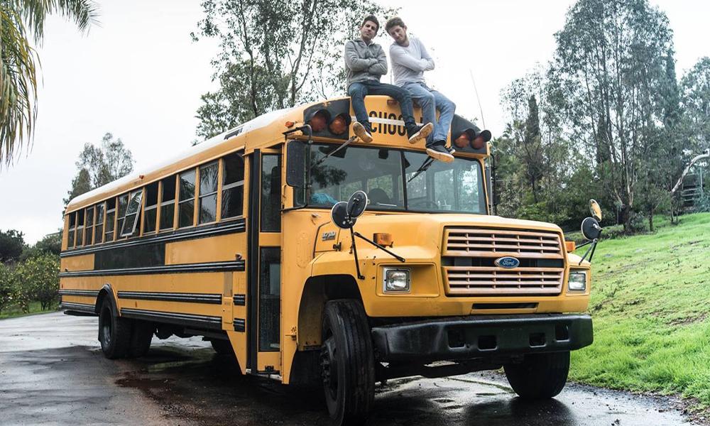 Ces Français transforment les bus en hôtels mobiles pour visiter les USA