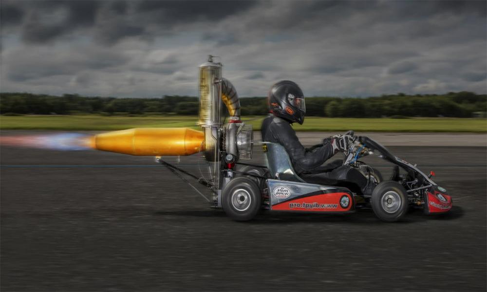 Ce kart file à 180 km/h grâce à… un réacteur d'avion