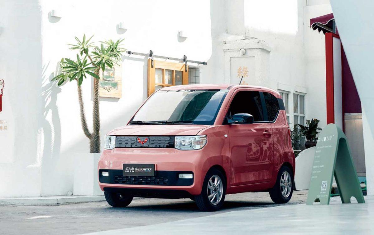 Et l'homme inventa la voiture électrique à moins de 4000 €