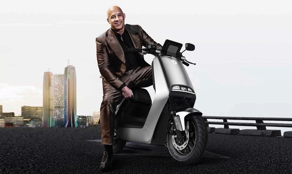 Le saviez-vous ? En Chine, Vin Diesel est une star du scooter électrique