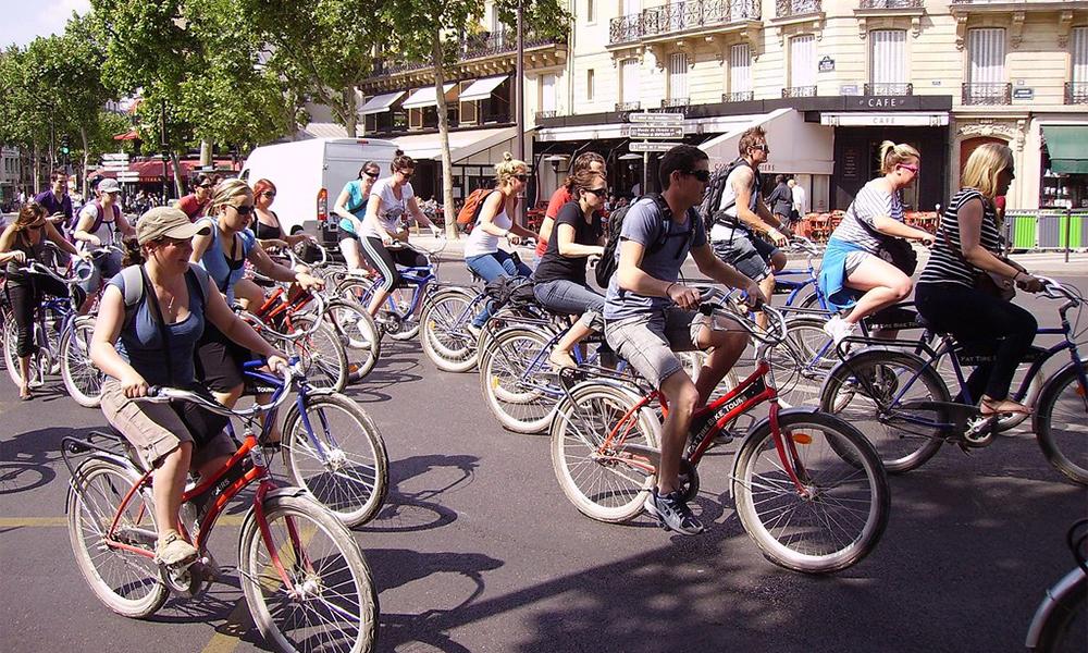 À Paris, il y a désormais autant de trajets à voiture qu'en vélo