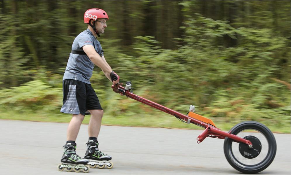 Faire du vélo et du roller en même temps, c'est possible grâce au «Veelo»