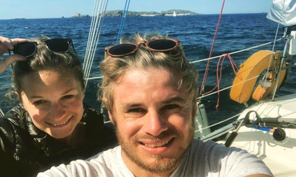 """Ces deux coachs en """"zéro déchet"""" vont traverser l'Atlantique sur un voilier solaire"""