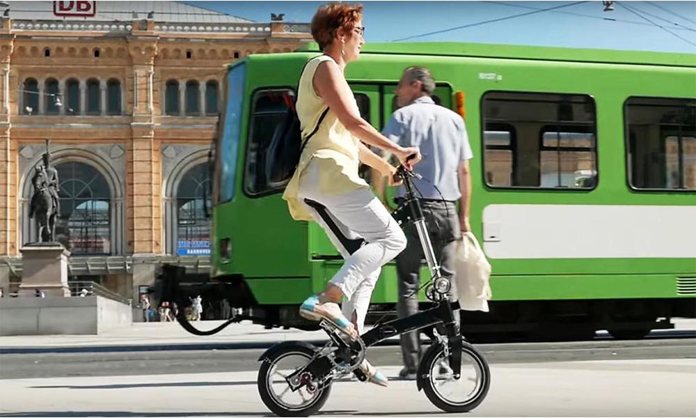 Ce vélo à position verticale est bon pour votre dos