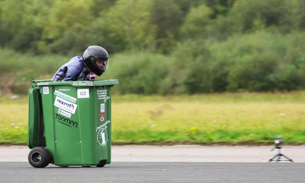 Record battu : cette voiture-poubelle fonce à 70 km/h