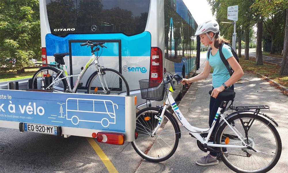 Prendre le bus avec son vélo ? C'est possible en Normandie