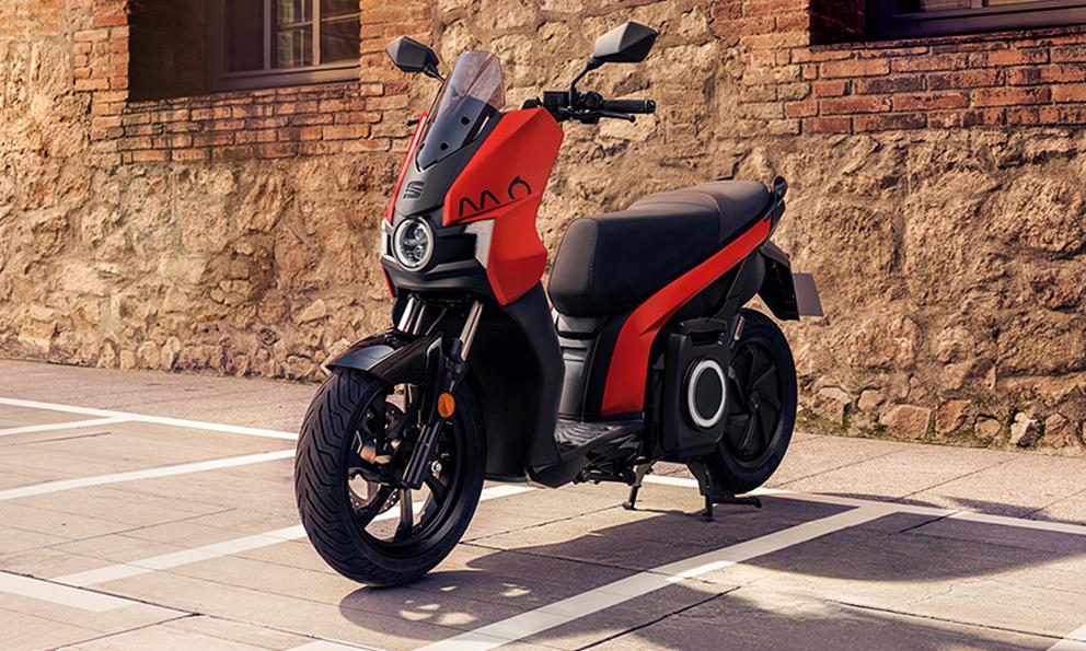 SEAT annonce la sortie de son premier scooter électrique pour Noël