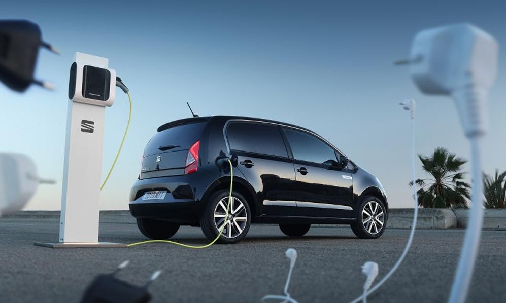 En Europe, les ventes de voitures électriques ou hybrides dépassent enfin les diesels