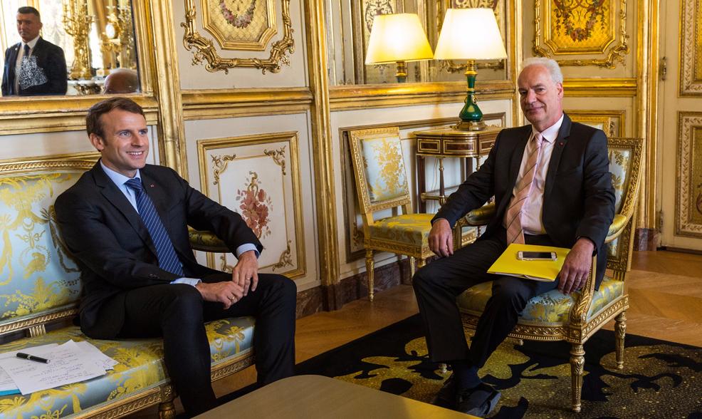"""De chauffeur de taxi à ministre, le parcours """"en marche"""" d'Alain Griset"""