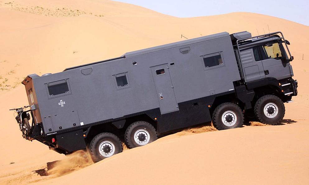 Ce camping-car militaire peut résister à toutes les fins du monde