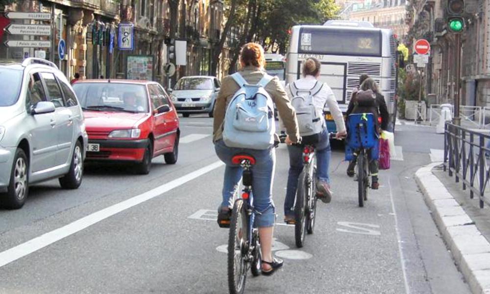 Trop de cyclistes : les bus accusent les vélos de les mettre en retard