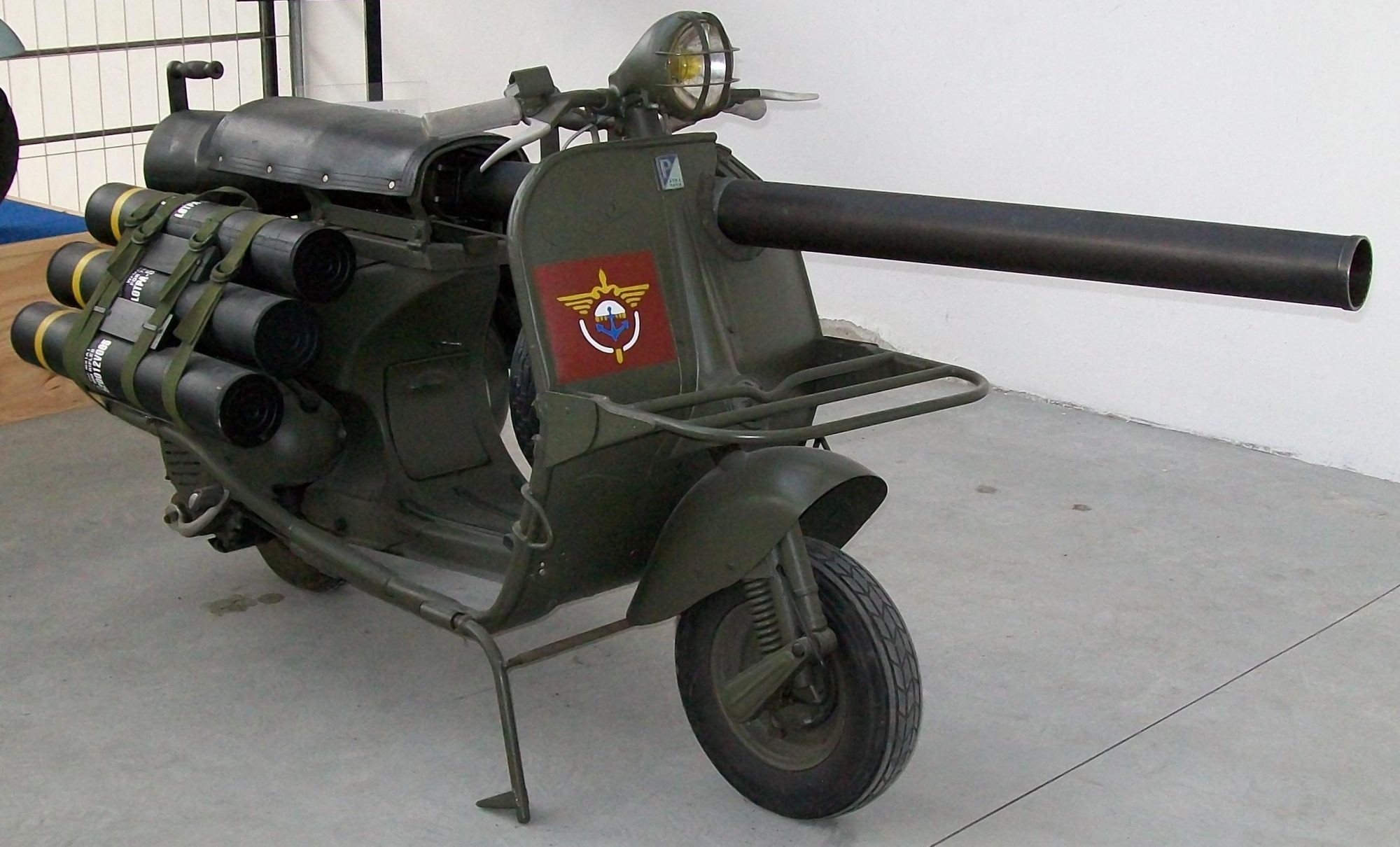Dans les années 1950, l'armée française utilisait des… scooters canon