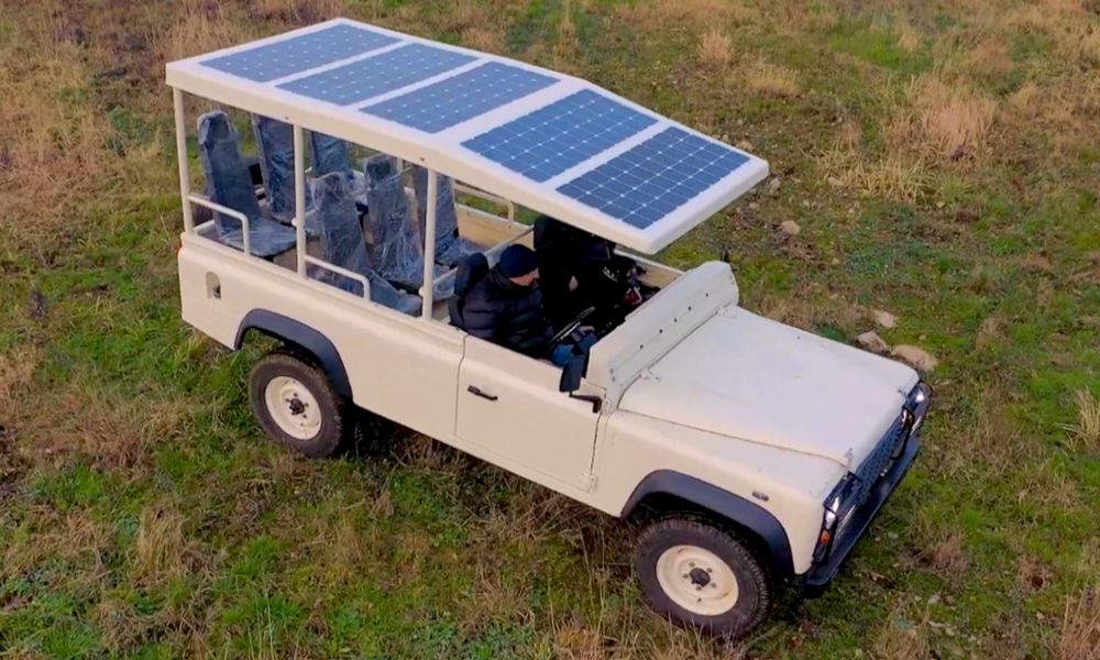 Il invente une jeep électrique solaire pour rendre les safaris plus écolos