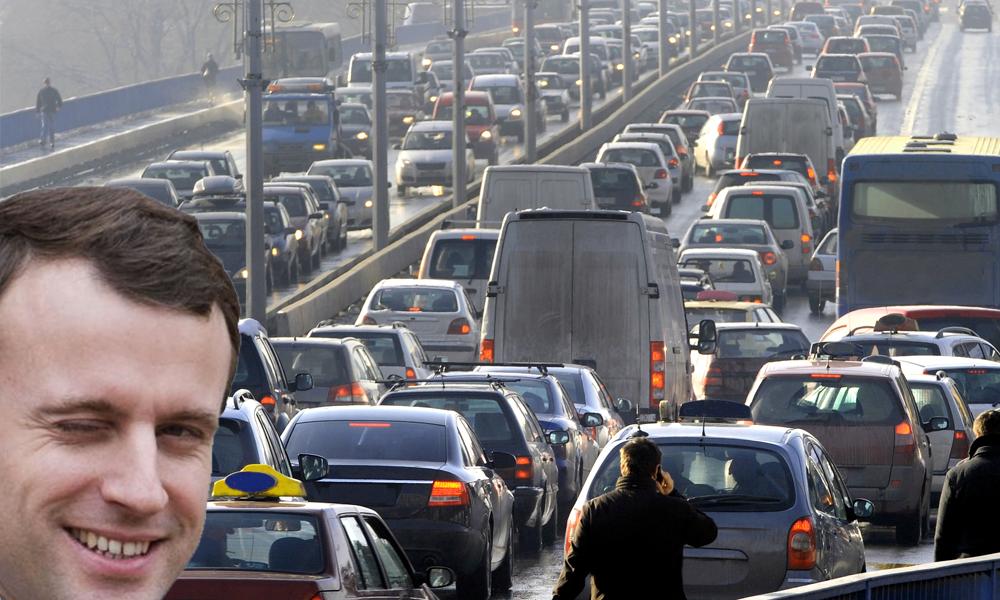 Le gouvernement réfléchit à interdire la majorité des voitures à essence dès 2030