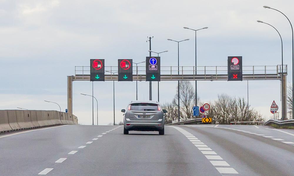 """Lyon inaugure des voies réservées au covoiturage et aux voitures """"propres"""""""
