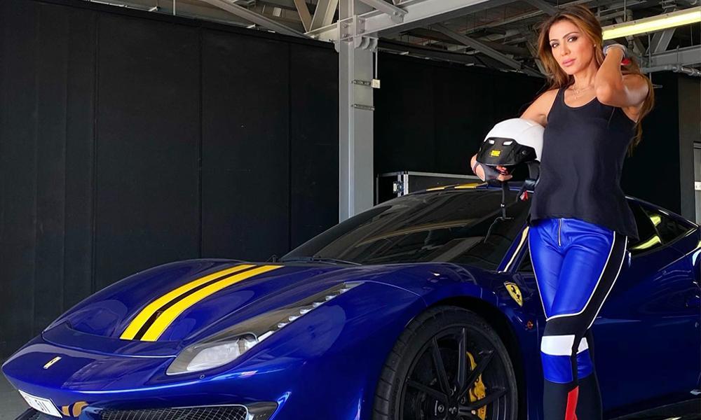 A Dubaï, ce club est réservé aux femmes fans de voitures de luxe