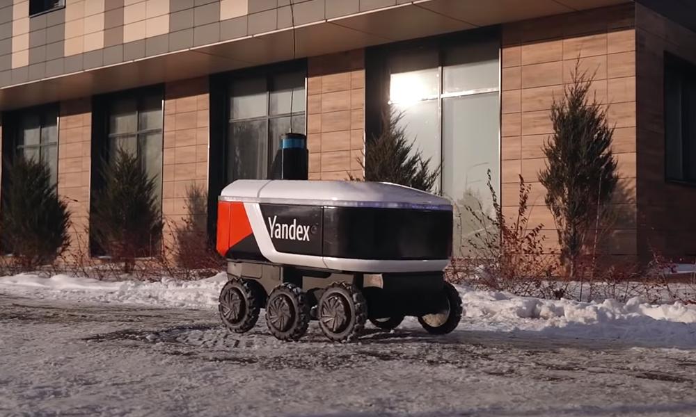 Monde d'après : à Moscou, ce robot roule à 5 km/h pour livrer les repas